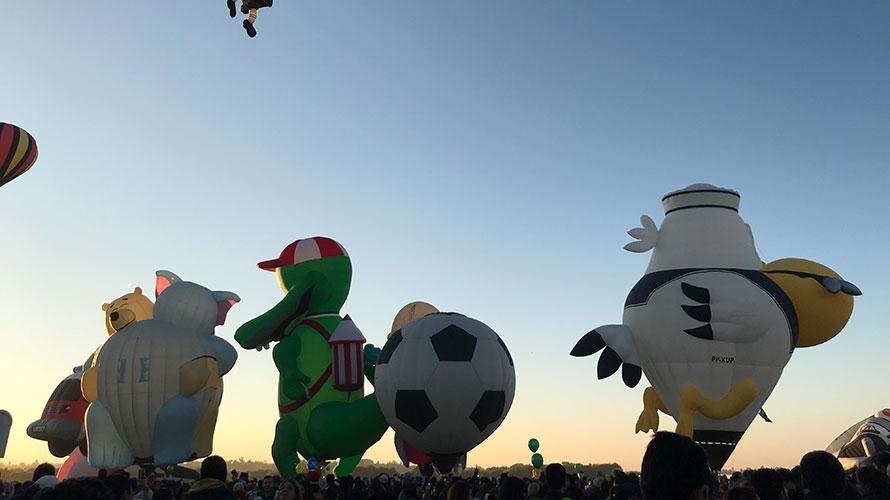 早朝から気球フェスティバルへ行ってきた
