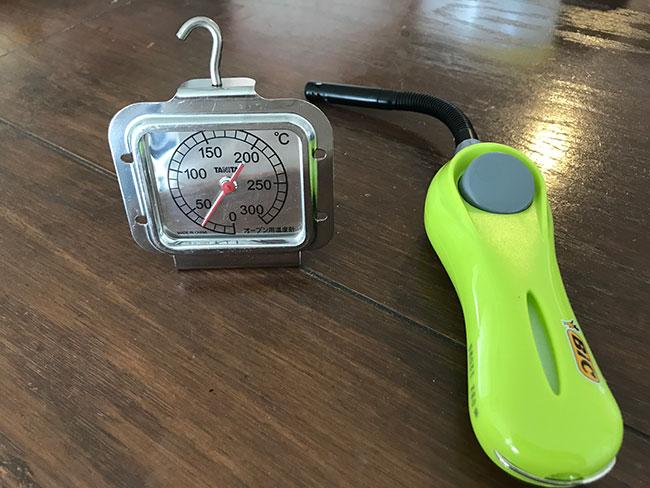 温度計とライター