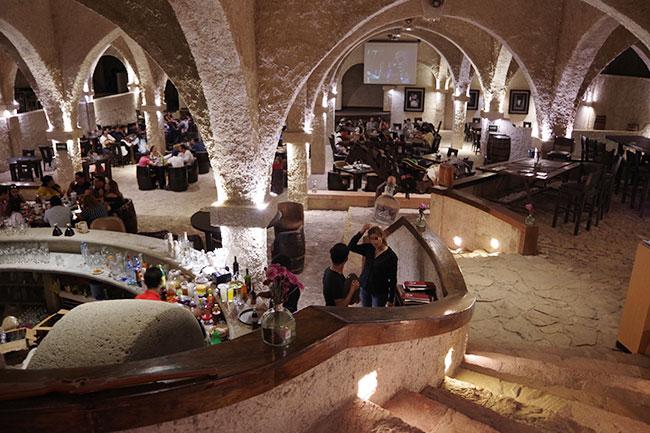 地下レストラン